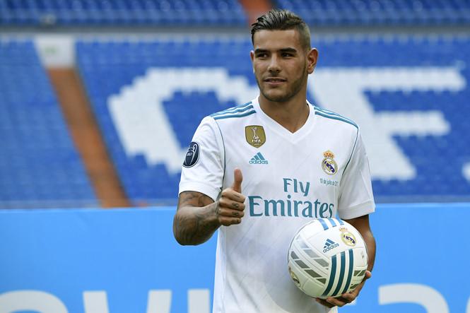 CHÍNH THỨC: Theo Hernandez gia nhập Real Madrid