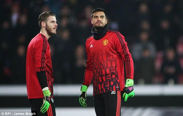 De Gea nghĩ gì khi MU gia hạn hợp đồng với Romero?