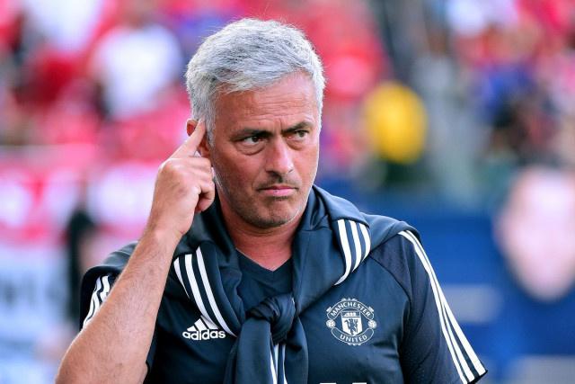 Mourinho nói gì sau trận thua kém cỏi trước Barcelona?