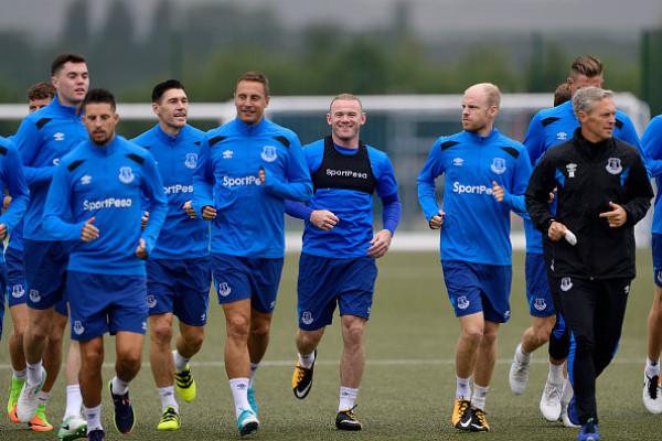 Rooney rạng rỡ trong buổi tập đầu tiên tại Everton sau 13 năm