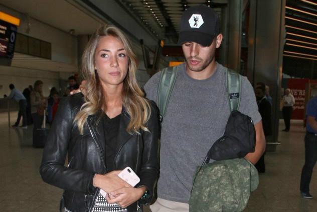 Morata cùng vợ đã có mặt tại London, hoàn tất thủ tục gia nhập Chelsea