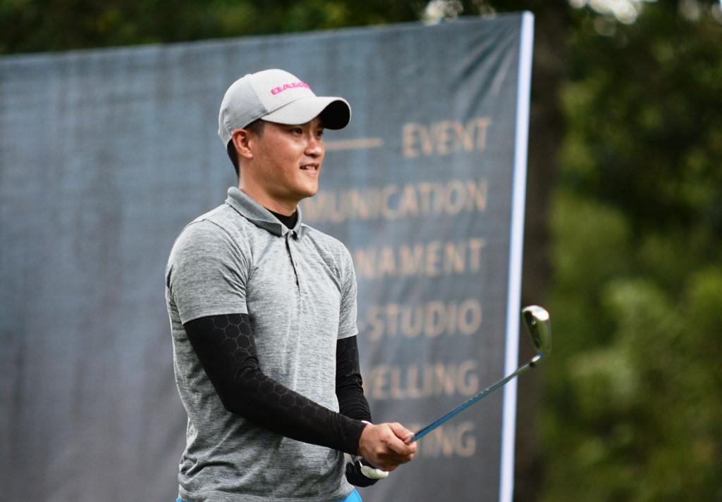 NÓNG: Công Vinh bắt đầu lấn sân sang làng Golf chuyên nghiệp