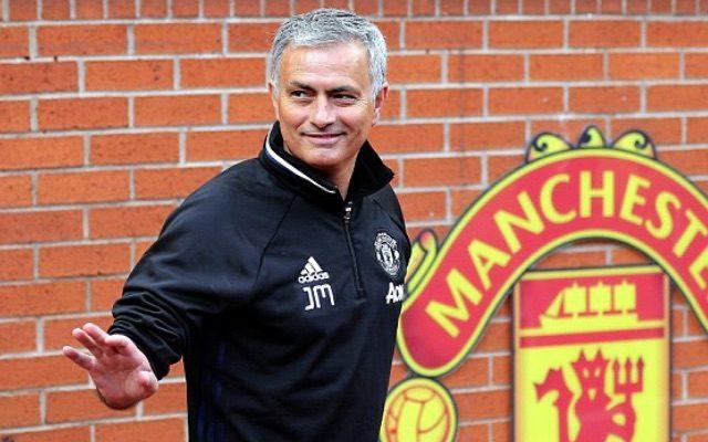 Mourinho và câu chuyện chiếc băng thủ quân ở MU
