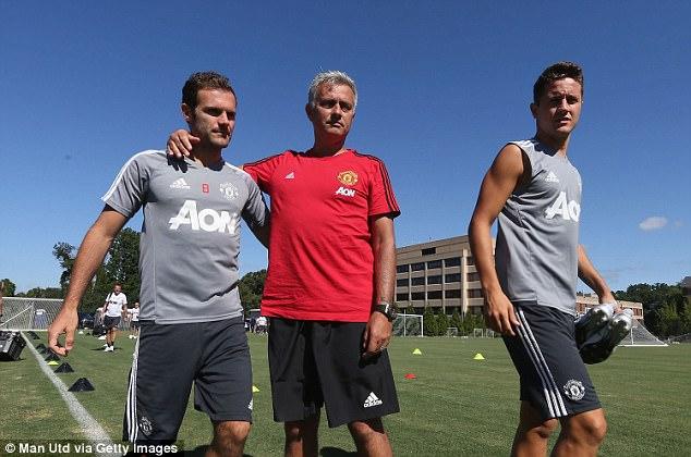 Mourinho tiết lộ tình hình chấn thương của Mata và Herrera