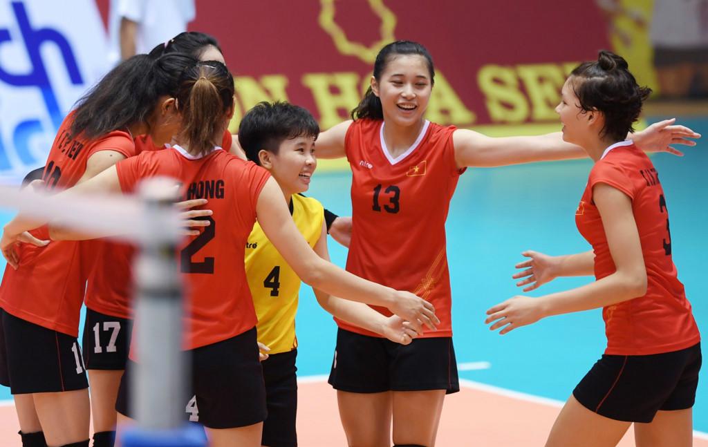 Vẻ đẹp gây sốt của Hot Girl 15 tuổi trong đội hình tuyển bóng chuyền trẻ Việt Nam