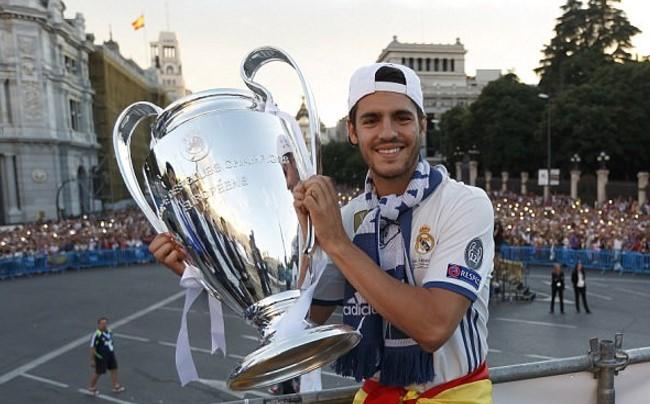 Vì sao Morata nên ở lại Real Madrid?