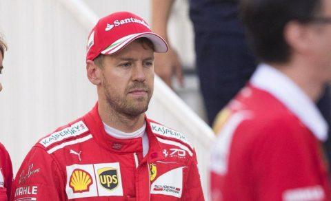 Sebastian Vettel thoát án phạt thêm sau tình huống húc vào xe của Hamilton