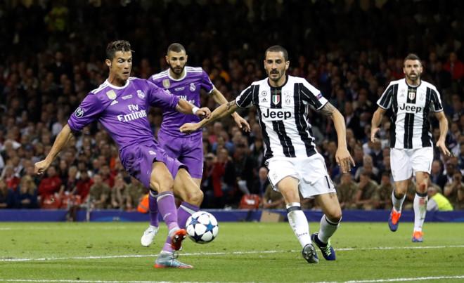 """Bonucci chỉ ra 'Siêu hậu vệ' duy nhất có thể """"bắt chết"""" Ronaldo thời điểm hiện tại"""