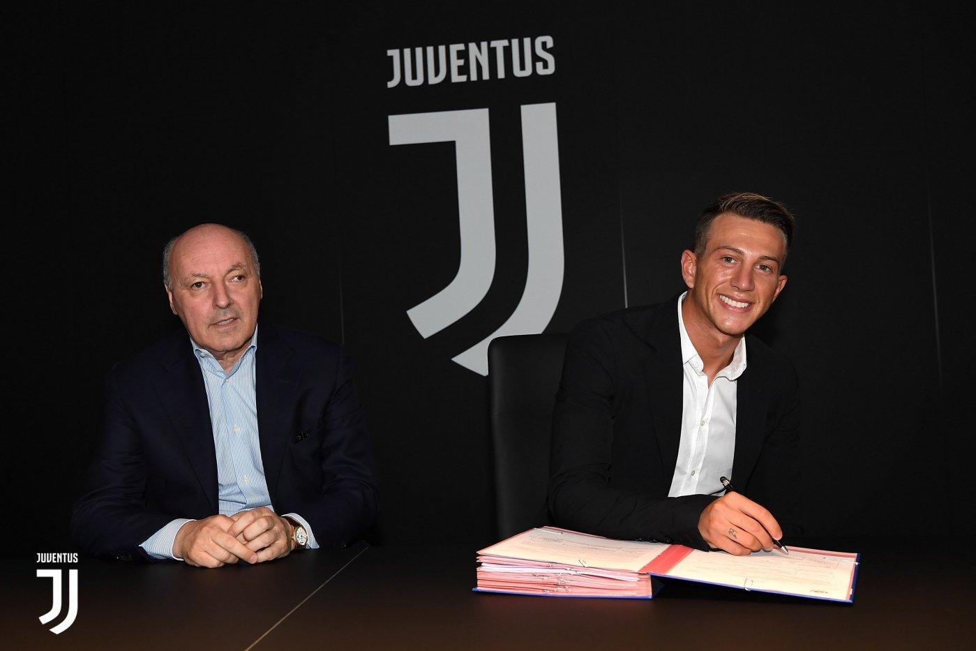 Juventus CHÍNH THỨC hoàn tất bom tấn 40 triệu euro từ Fiorentina