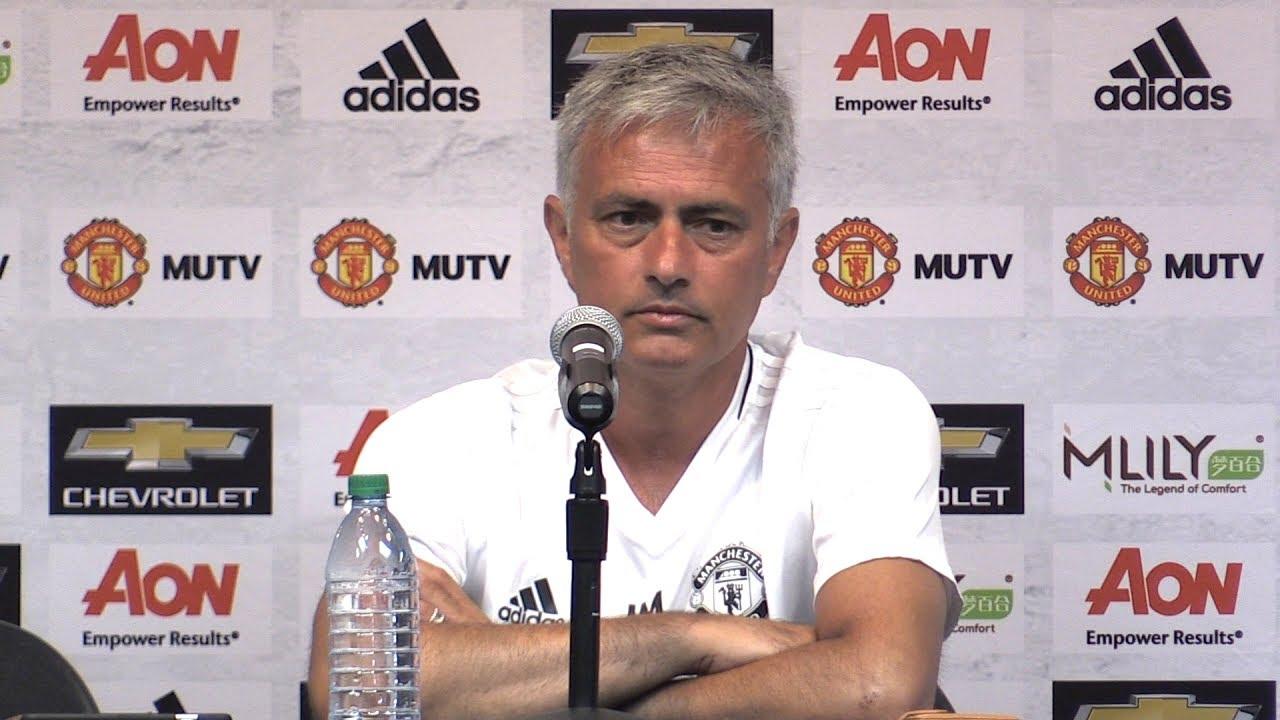 Mourinho đã nói gì sau khi Man United hủy diệt LA Galaxy?