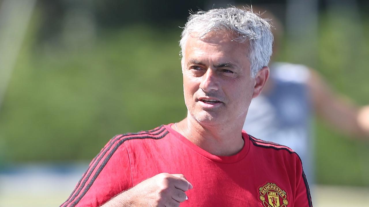 """Mourinho hé lộ đội hình """"chiến"""" Real Madrid"""