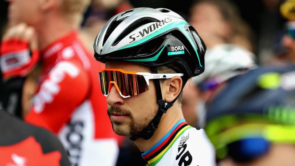 Làm gãy xương Cavendish, Peter Sagan bị loại khỏi Tour de France 2017