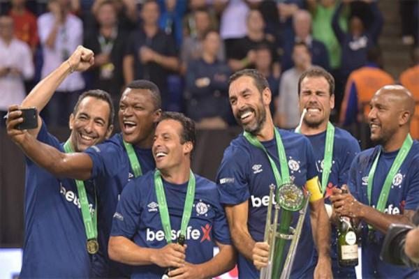 ĐT cựu danh thủ Pháp vô địch giải bóng đá 6 người