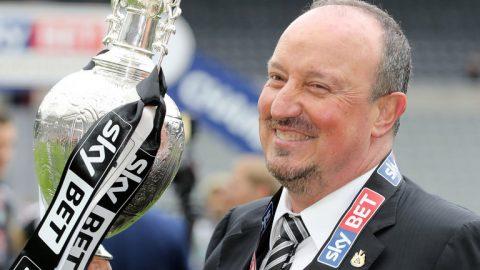 Newcastle chính thức công bố bản hợp đồng đầu tiên sau khi thăng hạng