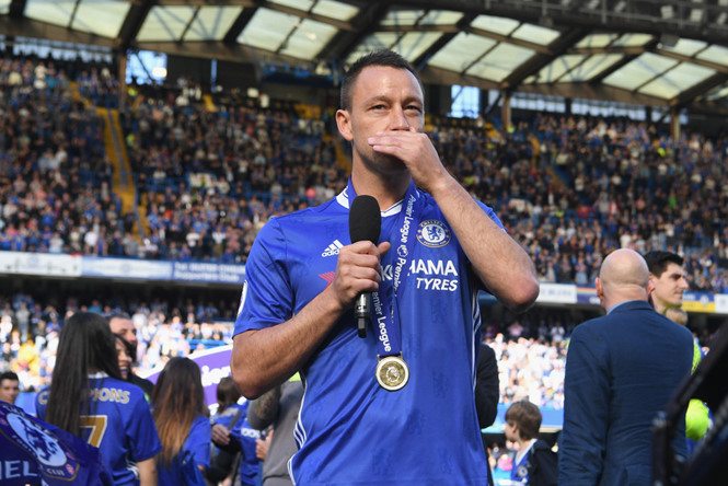 Terry bất ngờ muốn trở lại Chelsea sau khi gia nhập Aston Villa