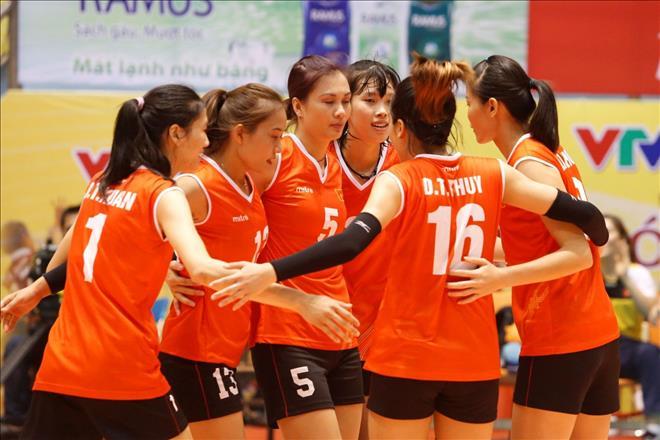 Phục thù Philippines thành công, bóng chuyền nữ Việt Nam đụng độ Indonesia ở bán kết
