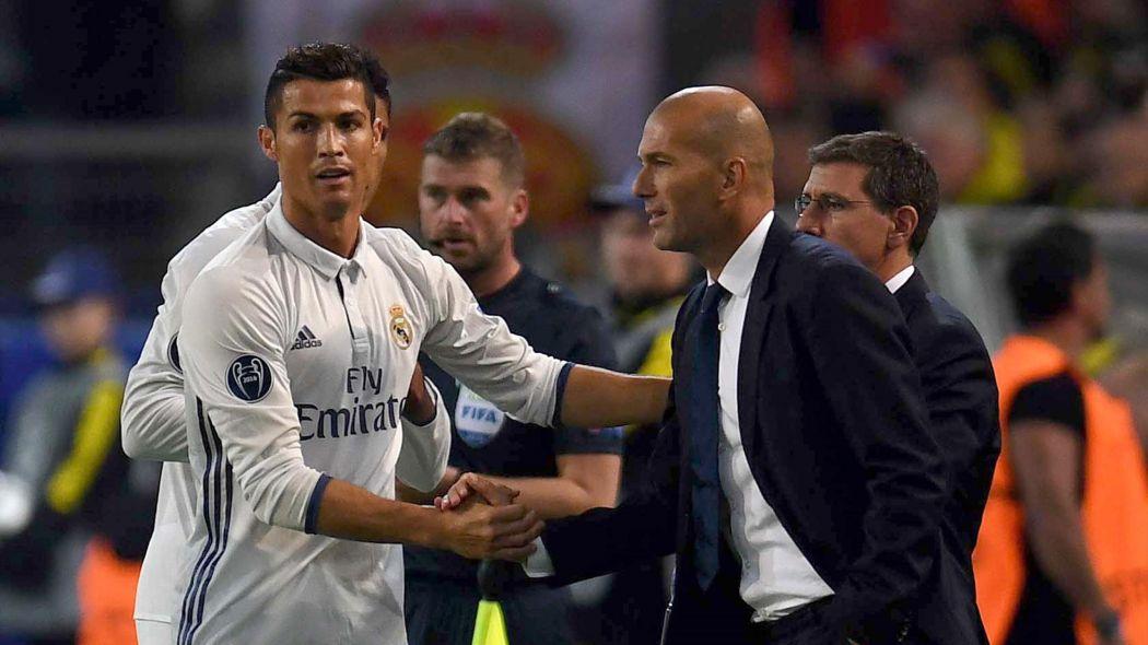 NÓNG: Real triệu tập đủ binh hùng tướng mạnh đấu M.U, có cả Ronaldo
