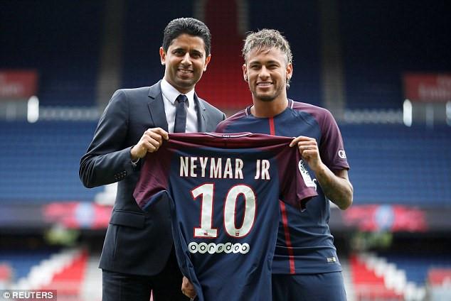 CHÙM ẢNH: Neymar rạng rỡ ngày ra mắt PSG