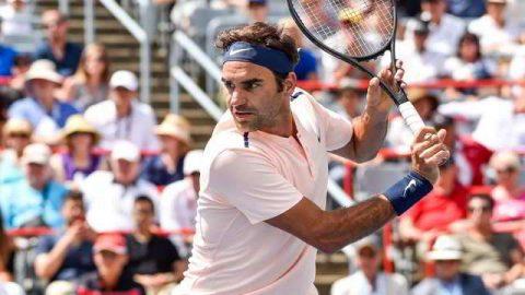 Federer lội ngược dòng vào tứ kết Rogers Cup