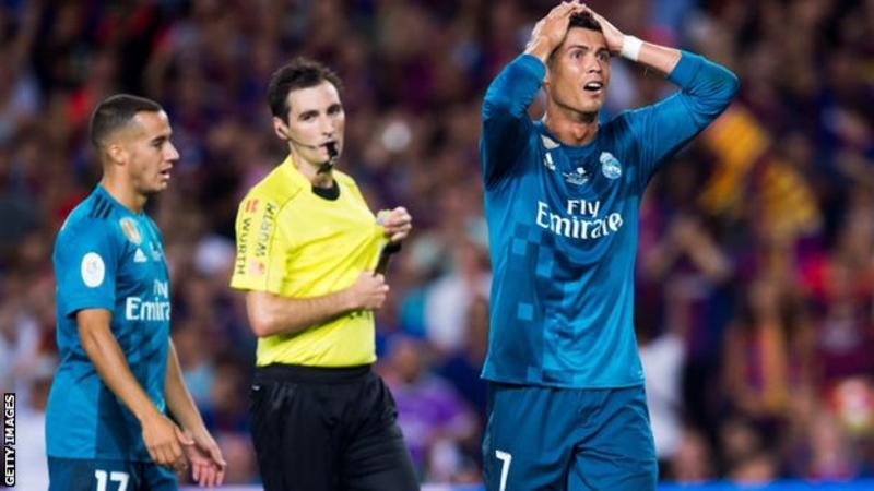 NÓNG: Đẩy trọng tài, Ronaldo CHÍNH THỨC nhận án phạt cực nặng