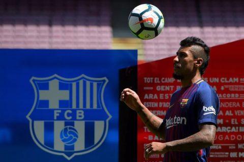 Tân binh 40 triệu euro của Barca bị ghẻ lạnh trong ngày ra mắt