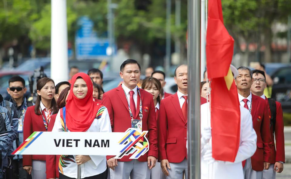 Quốc kỳ Việt Nam tung bay tại lễ thượng cờ SEA Games 29