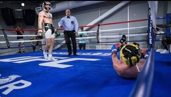 Conor McGregor bị bạn tập chê 'rẻ tiền và ngạo mạn'