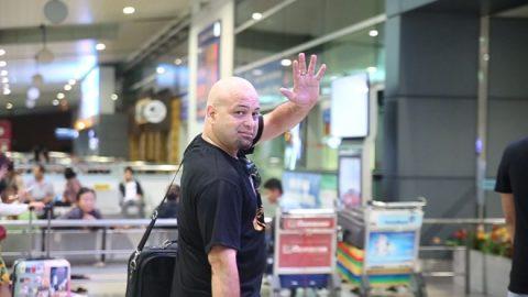 Võ sư Flores về nước sau 1 tháng ồn ào tại Việt Nam