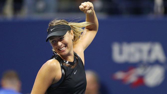 Ngược dòng thắng Timea Babos, Sharapova đi tiếp vào vòng 3 US Open 2017