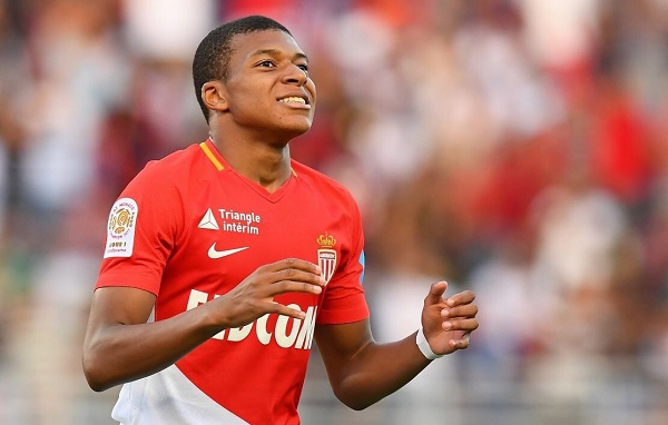 SỐC! Toàn đội Monaco được thông báo Mbappe sẽ khoác áo đại kình địch nước Pháp