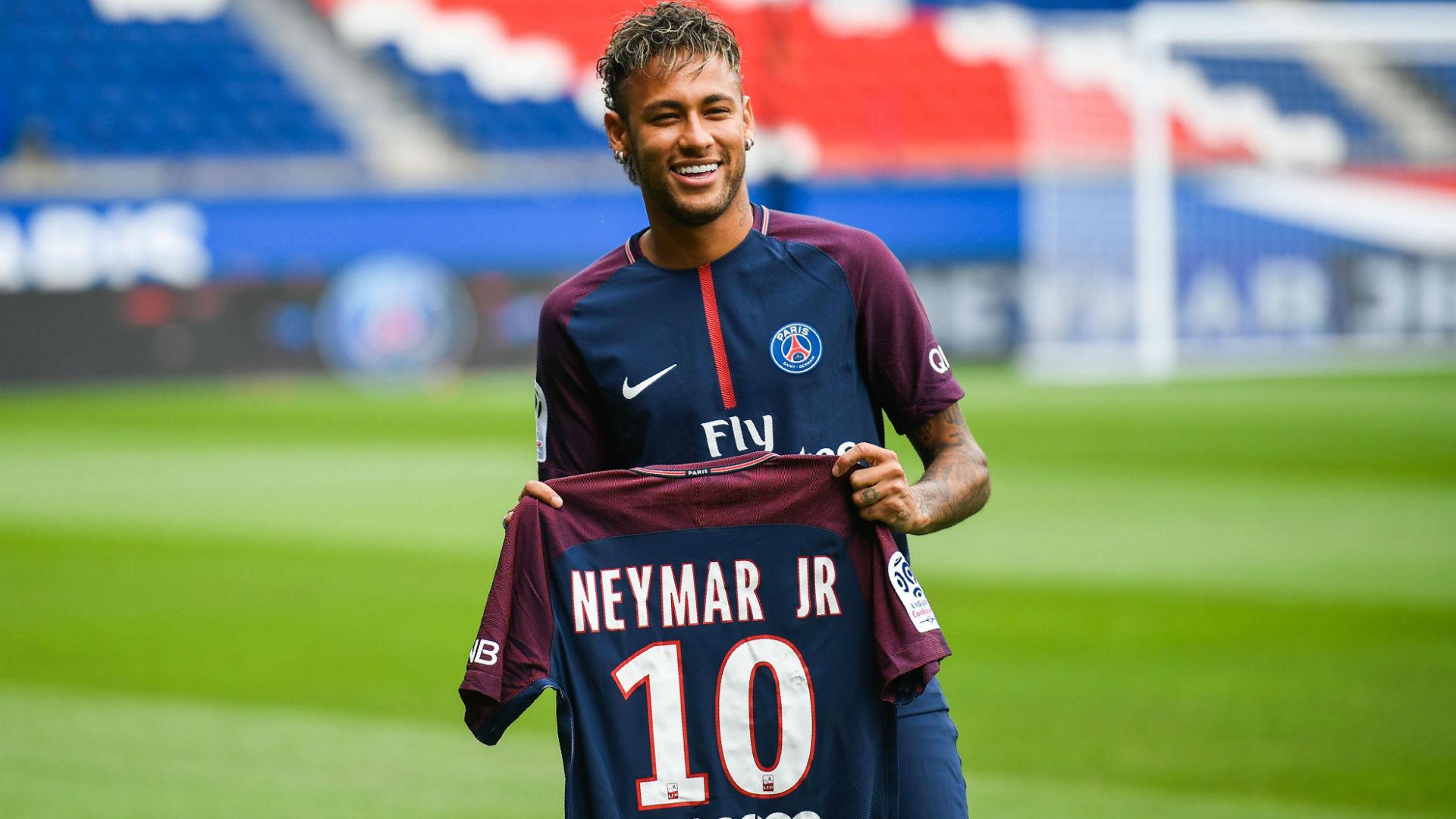 'Siêu bom tấn' Neymar lỡ trận mở màn Ligue 1