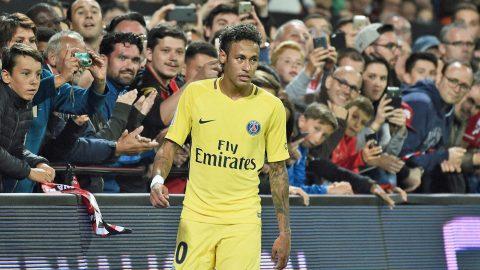Neymar lên tiếng chỉ trích BLĐ Barcelona