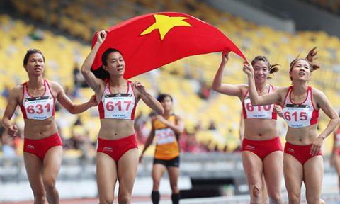 Tú Chinh cùng đồng đội xuất sắc giành HCV 4x100m nữ, phá kỷ lục SEA Games