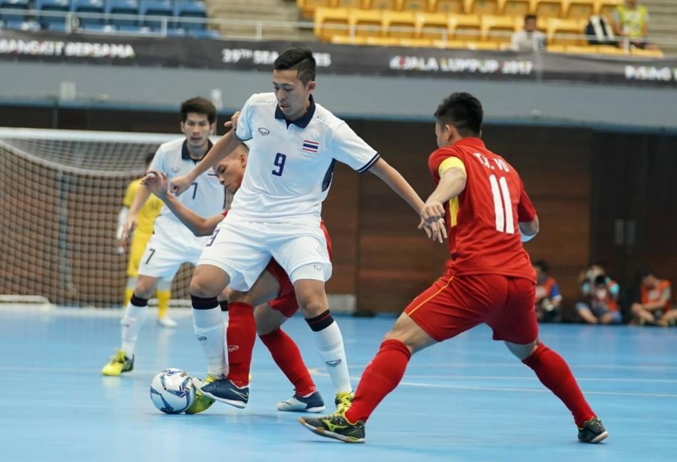 Đẳng cấp chênh lệch, ĐT nam Futsal Việt Nam thảm bại trước Thái Lan ngày ra quân