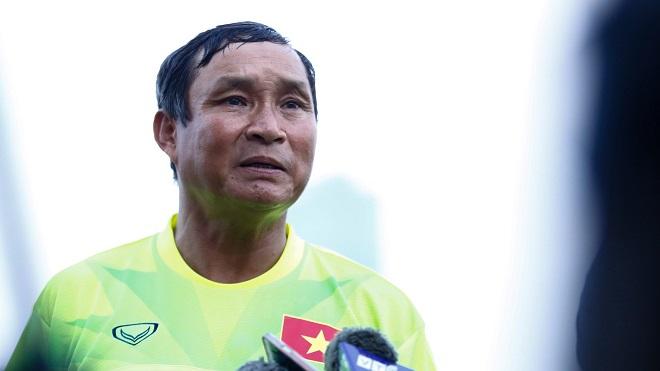 HLV Mai Đức Chung đặt mục tiêu hạ gục Campuchia ngay trên sân khách