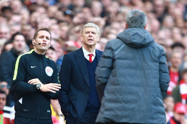 Mourinho cảm thông cho CĐV Arsenal, lên tiếng công kích Wenger