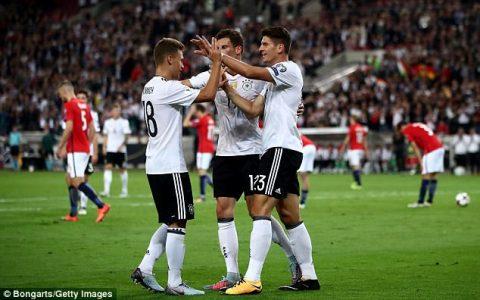 Hủy diệt đối thủ 6 bàn không gỡ, Đức cầm chắc vé dự World Cup 2018