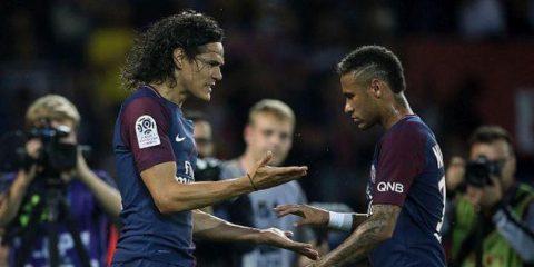 """Cavani tiếp tục bị """"băng đảng"""" Brazil cô lập, PSG bán 8 cầu thủ vì Neymar"""