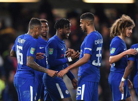 """""""Chân gỗ"""" Batshuayi lập hat-trick ấn tượng, Chelsea dễ dàng vùi dập Nottingham trên sân nhà"""