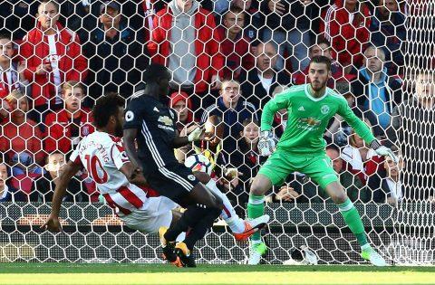 5 điểm nhấn Stoke 2-2 Man United: Công làm, thủ phá