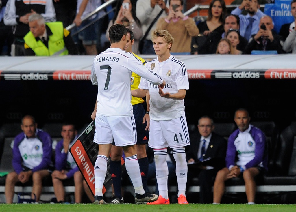 """Bị Real Madrid ghẻ lạnh, """"Người kế thừa Ronaldo"""" ra quyết định cực sốc khiến tất cả ngỡ ngàng"""