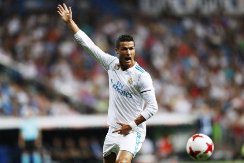"""""""Ronaldo là một kẻ vô dụng, không xứng đáng giành QBV"""""""