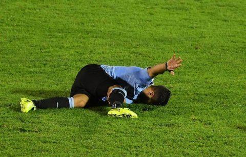 Luis Suarez đích thân tiết lộ về tình hình chấn thương khiến CĐV đứng ngồi không yên