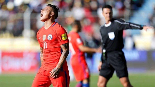 Khóc hận ở tử địa, giấc mơ World Cup ngày càng xa vời với Chile