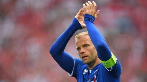Huyền thoại bóng đá Iceland CHÍNH THỨC giải nghệ ở tuổi 38
