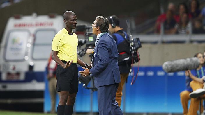 SỐC: Lần đầu tiên trong lịch sử, FIFA ra quyết định cho đá lại một trận vòng loại World Cup