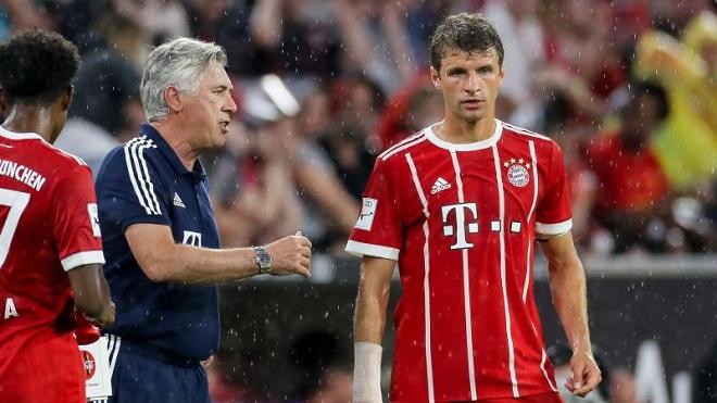 Bayern Munich đại loạn: Muller đòi tới M.U, CEO chỉ trích và đe dọa Lewandowski