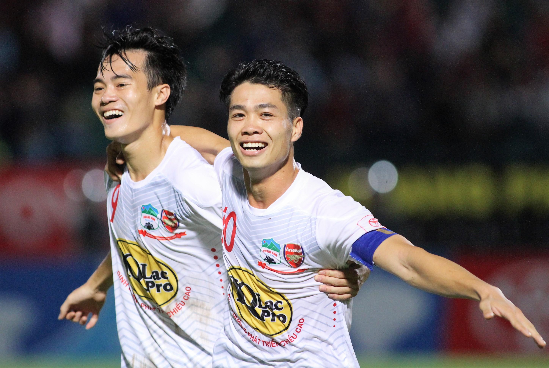 Vòng 17 V-League: Chờ Công Phượng 'vượt khó' cùng HAGL