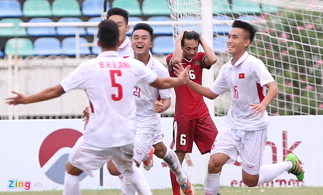 VIDEO: U18 Việt Nam 3-0 U18 Indonesia (U18 ĐNÁ 2017)