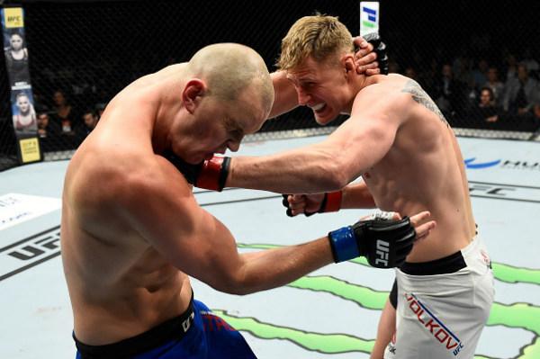 UFC Fight Night 115: Võ sĩ cao nhất UFC bị đấm gục sau 3 hiệp